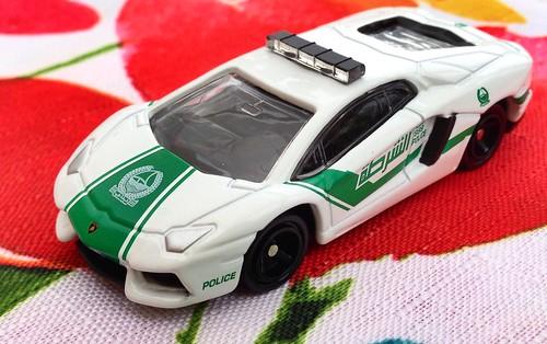 Tomica No. 87 Lamborghini Aventador LP 700-4 Dubai Police Car