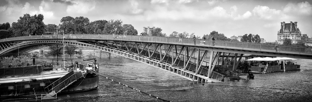 SLY - Paris After Flood passerelle PANO