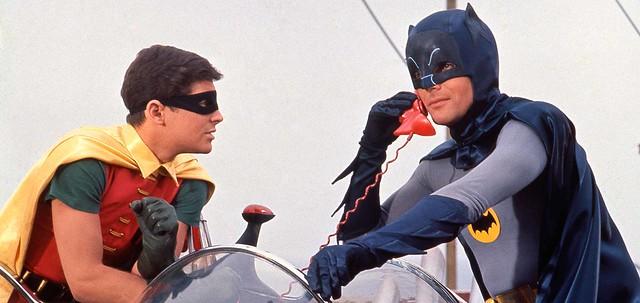 「喂!~我蝙蝠俠啦。」 - 1966影集版《蝙蝠俠》蝙蝠電話造型存錢筒