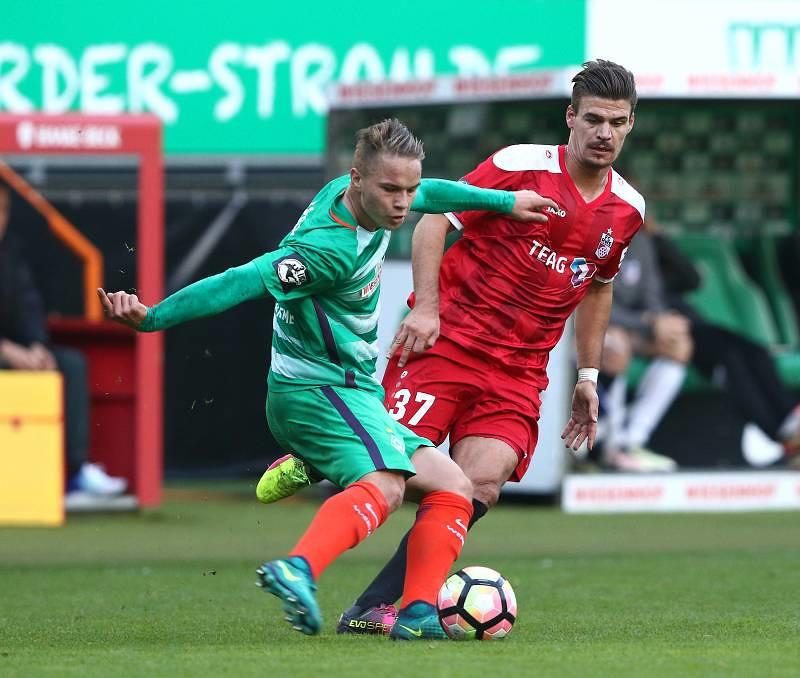 23.10.2016  SV Werder Bremen U23  vs. FC Rot Weià Erfurt 1-0 , Foto: Frank Steinhorst - Pressefoto