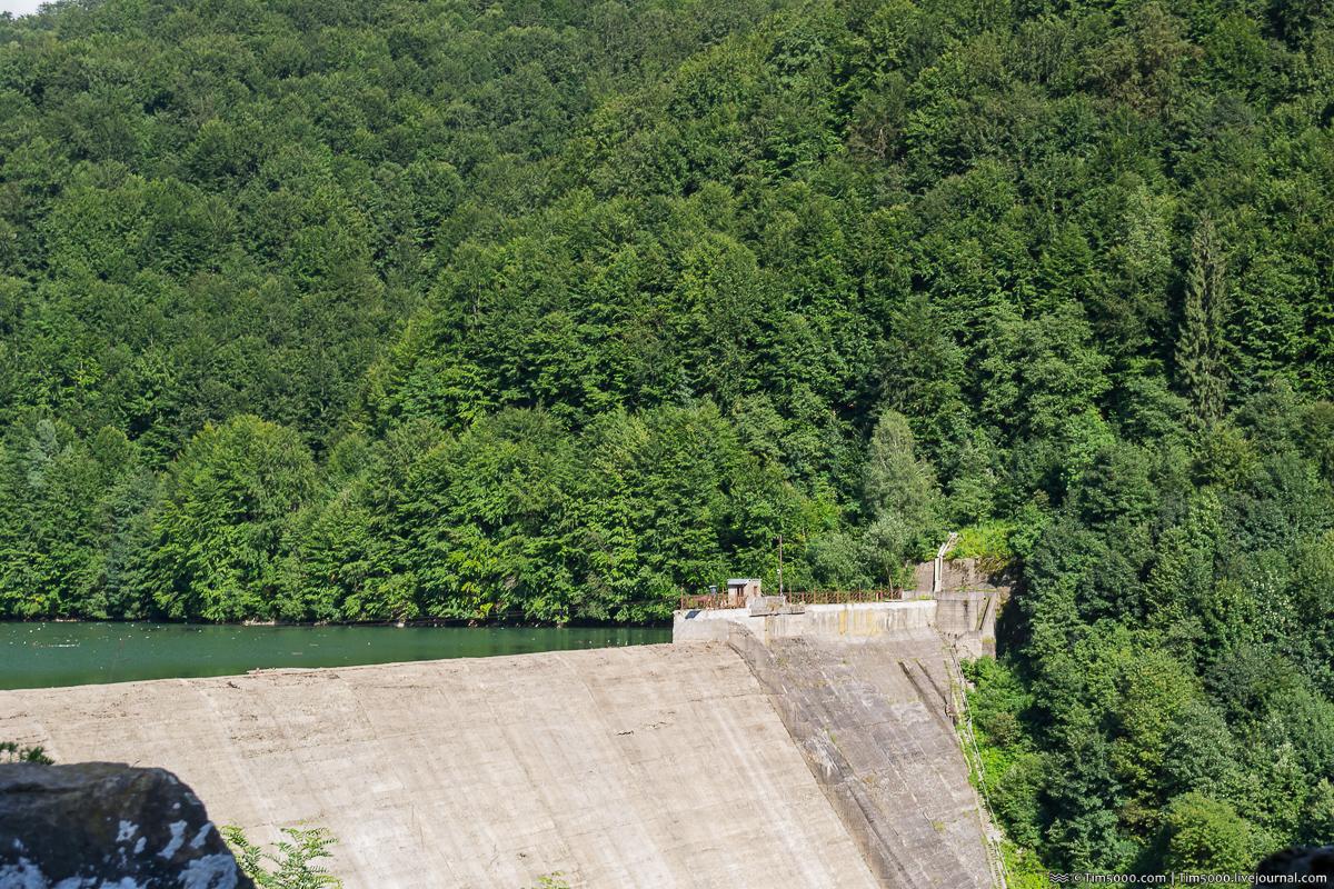 Плотина Теребле-Рикской ГЭС