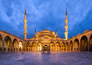 תמונה של The Blue Mosque. bluemosque hugin istanbul panorama sultanahmedmosque turkey turquie dusk