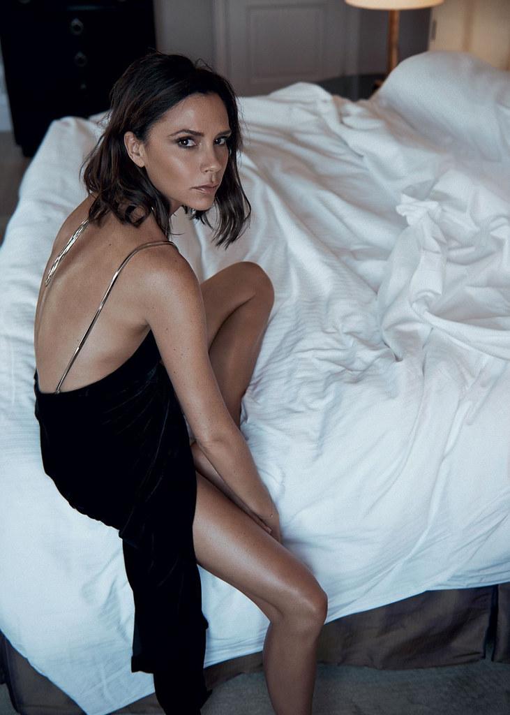 Виктория Бекхэм — Фотосессия для «Vogue» UK 2016 – 7