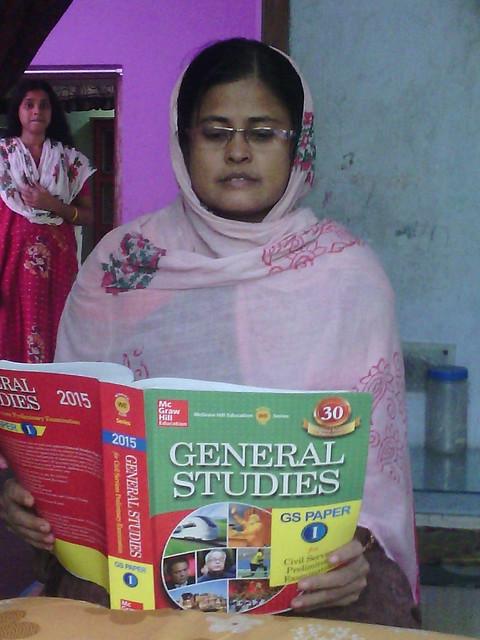 Jahanara_Khatun_reading_study_books_of_Civil_services
