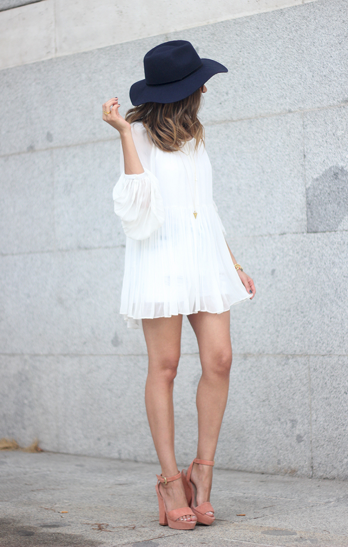 Blue Hat WHite Blouse Pink Pale Wedges Outfit07
