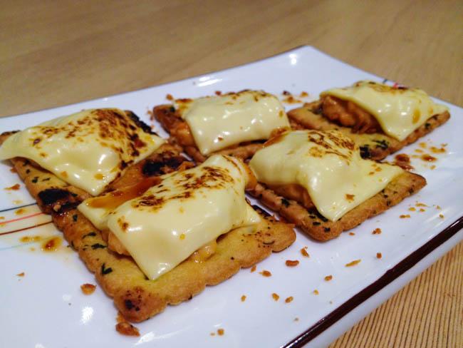 salmon-cheese-cracker