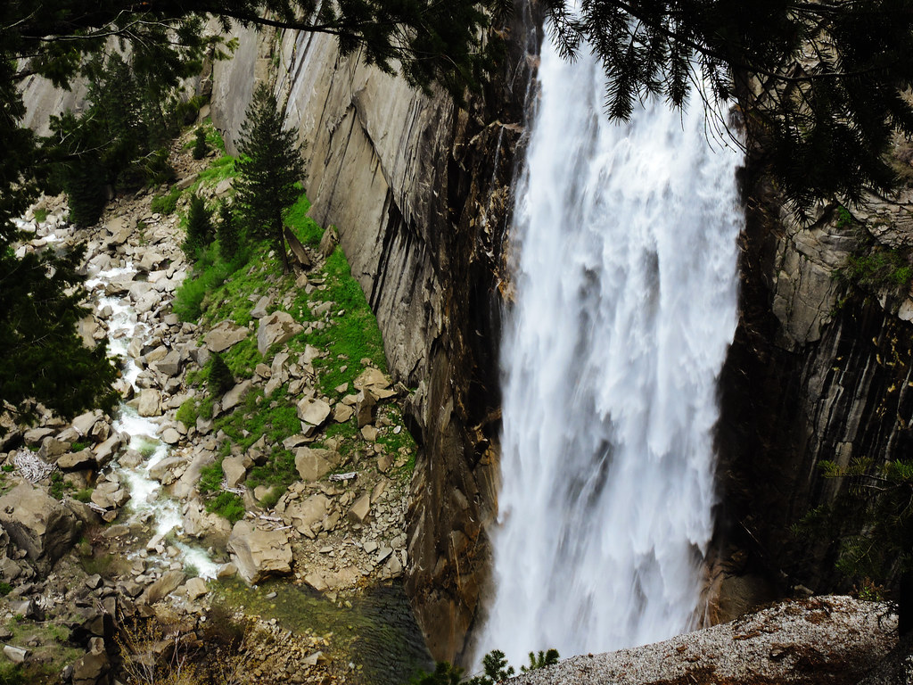 Best Late Spring Hikes In California: Illilouette Fall, Yosemite National Park