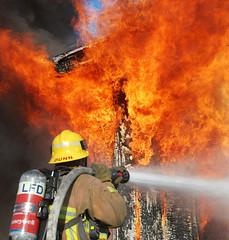 LAFD Battles Garage Fire in Sun Valley