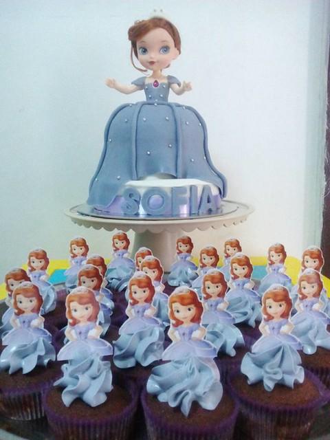 Sofia Doll Cake by Jesy Macopia of Jesy's Dessert