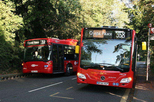 Metrobus 566 overtakes MEC54 on Route 358, Green Street Green