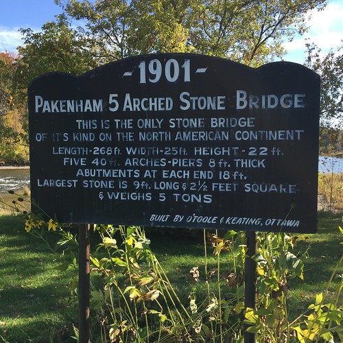 Pakenham stone bridge sign