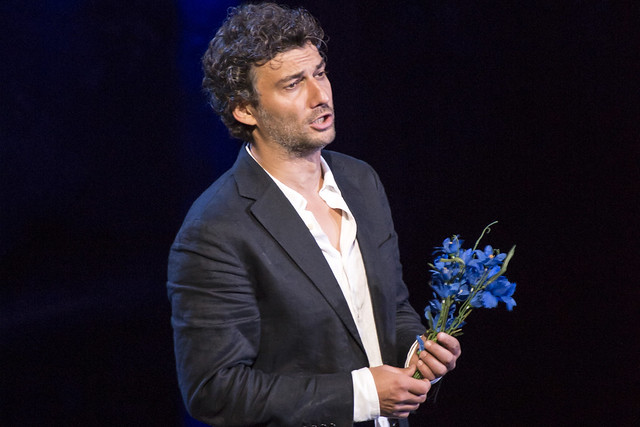 Jonas Kaufmann as Des Grieux in Manon Lescaut, The Royal Opera © ROH/Bill Cooper, 2014