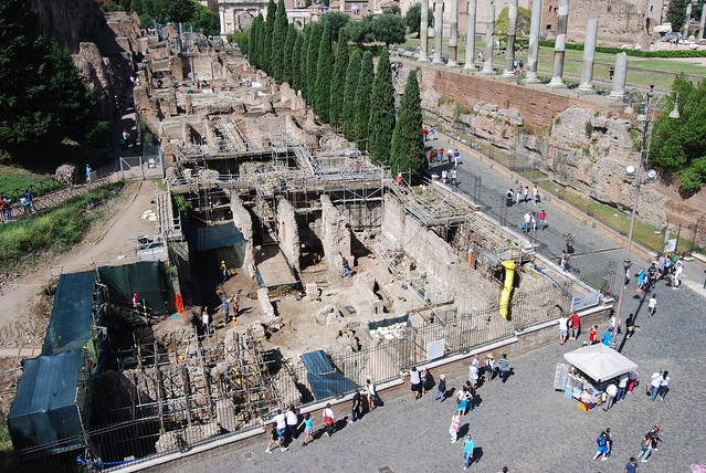 "ROMA ARCHEOLOGIA e RESTAURO ARCHITETTURA: Prof.ssa Clementina Panella (et al.), Crowdfunding Project for Ancient Rome's Archeological Excavation on the slope of the Palatine Hill and in the Valley of the Colosseum. ""LoveItaly!"" & the La Sapienza Universit"