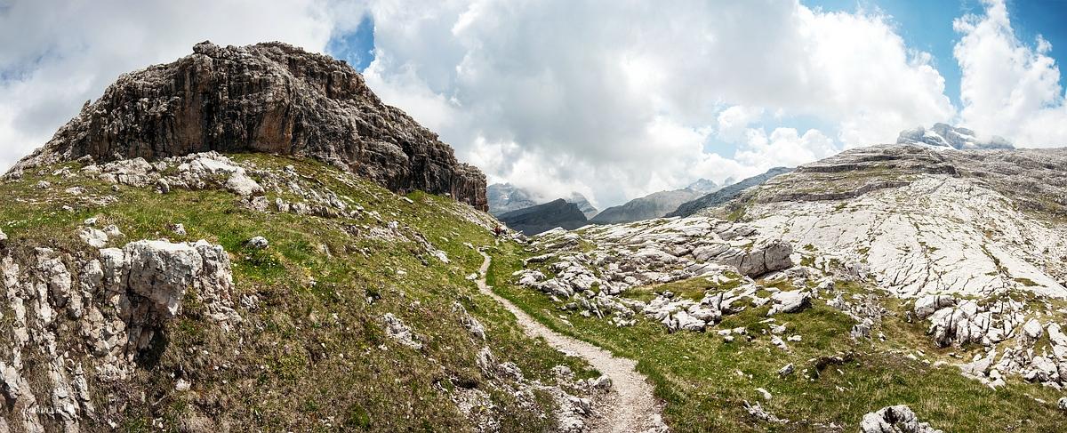Tuenno, Trentino, Trentino-Alto Adige, Italy, 0.001 sec (1/1250), f/8.0, 2016:07:01 10:22:01+00:00, 13 mm, 10.0-20.0 mm f/4.0-5.6
