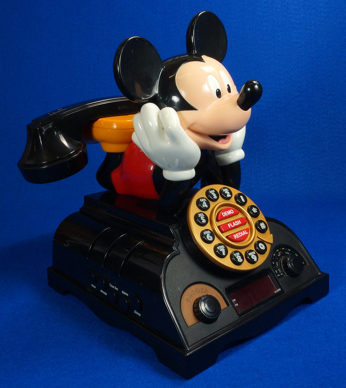 RD14898 Rare Vintage Mickey Mouse Talking Alarm Clock Radio Telephone DSC06905