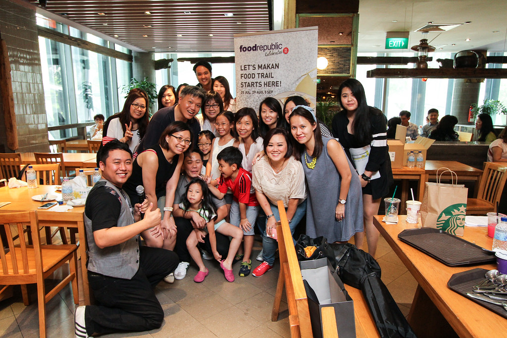 Group photo @ the Food Republic