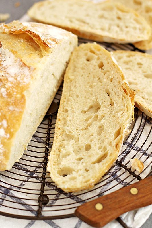 No-Knead Dutch Oven Bread   girlversusdough.com @girlversusdough