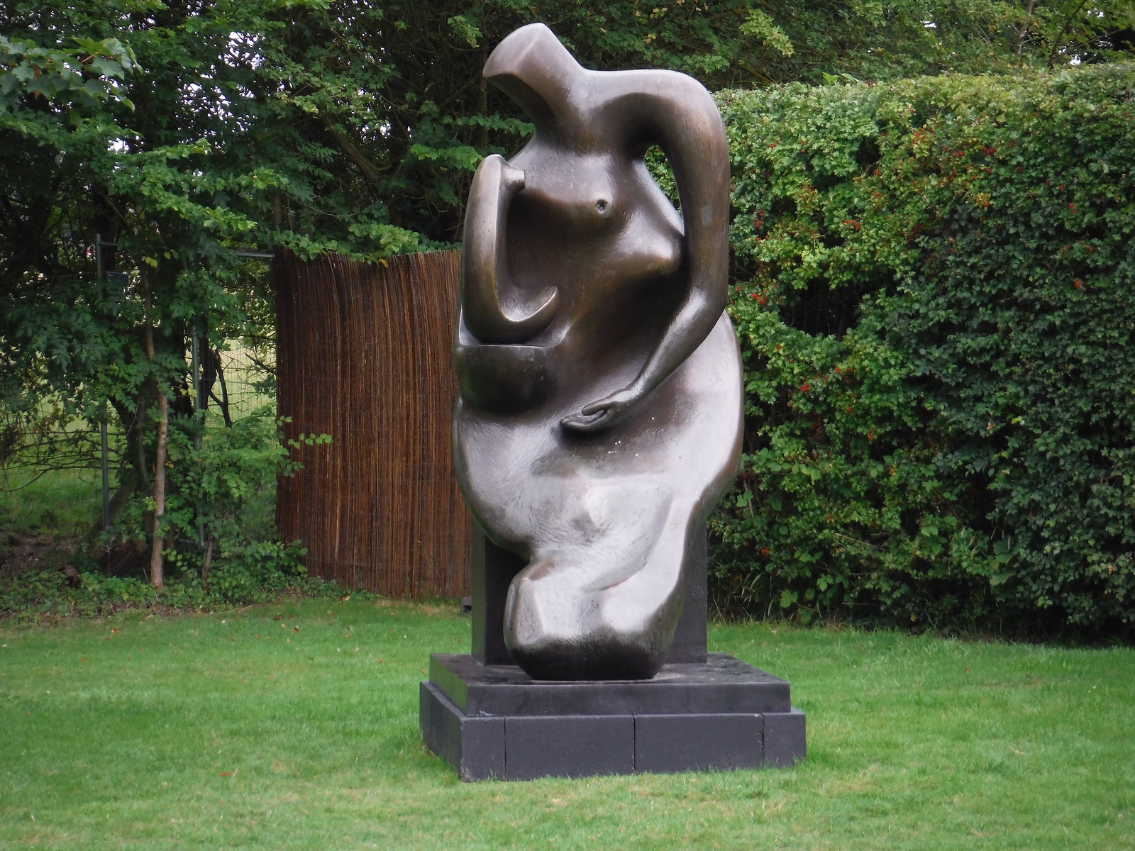Mother and Child: Block Seat (1983-84) SWC Walk 164 Roydon to Sawbridgeworth via Henry Moore Foundation