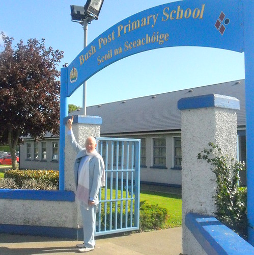 Tony Buzan visits Bush Post Primary School
