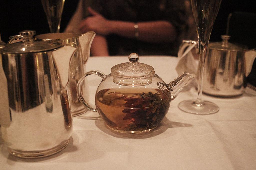 flowering-tea-at-the-sheraton-park-lane-hotel-afternoon-tea
