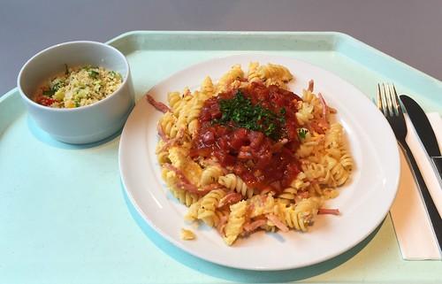 Ham noodles with egg & tomato sauce / Schinkennudeln mit Ei & Tomatensauce