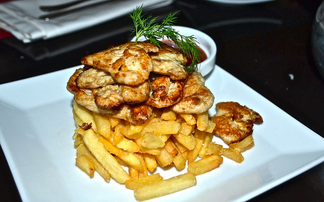 Chicken Chunks Stir Fried and fries- restaurante vino mio, malaga, spain
