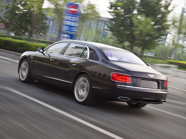 Bentley Flying Spur 2013 года