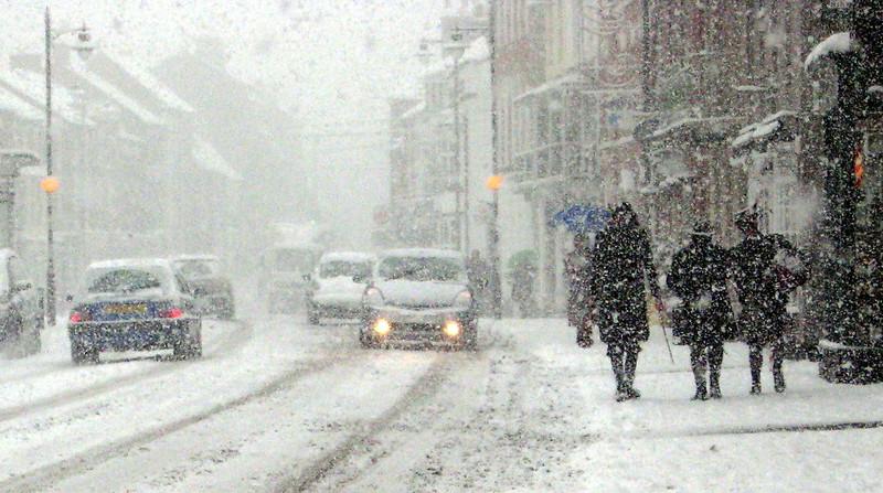Walking in the snow in Pershore - Three Original Welsh Border Morris Men