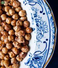 Chickpea crisps with za'atar