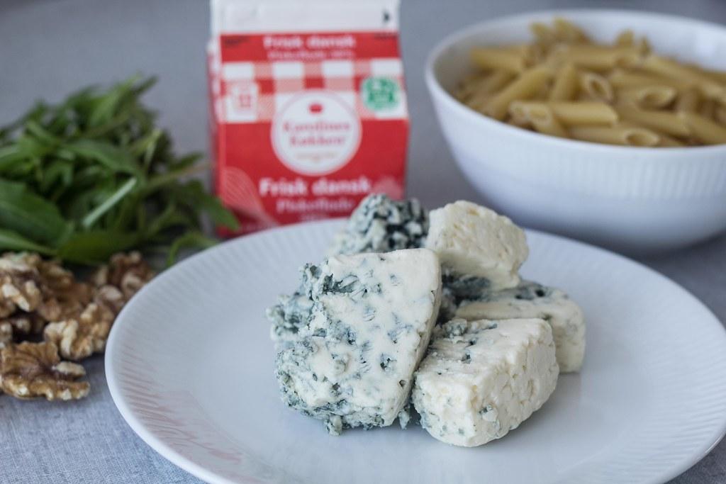 Pasta med gorgonzolasauce, ruccola og valnødder (1)
