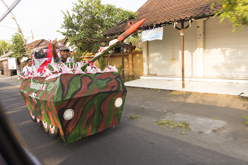 Decorated bicycle at Bali. バリ島のデコチャリ戦車風
