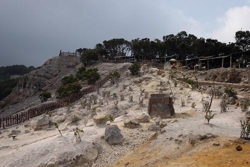 Mount Tangkuban Perahu #tangkubanperahu #gunungtangkubanperahu #wisatabandung #bandung #jawabarat #wisataindonesia #subang #indonesianlandscape #wisataindonesia #bandunglandscape #jalanjalanbandung