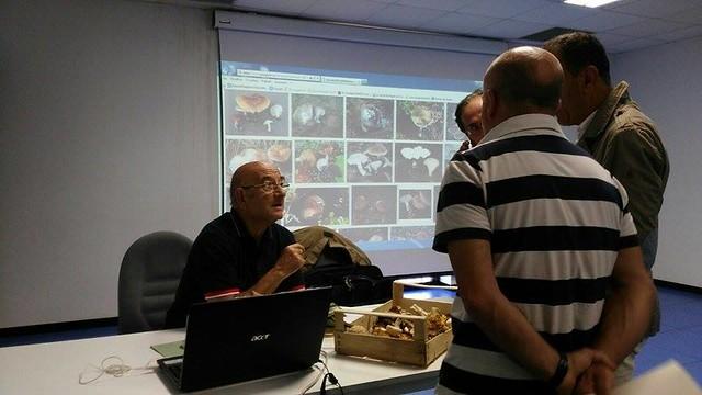 Casamassima- corso di formazione per fungai-1 - Corso di formazione micologica