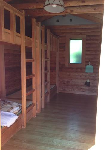 rishiri-island-rishiri-cho-forest-park-camp-site-bungalow-inside01