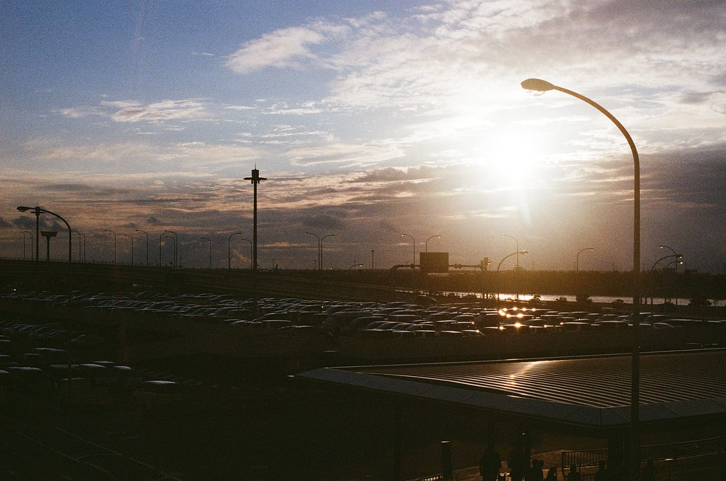 關西空港 Osaka 2015/09/09 已經是黃昏了。  Nikon FM2 Nikon AI Nikkor 50mm f/1.4S Kodak UltraMax ISO400 Photo by Toomore
