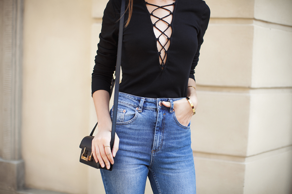 lace-up-front-trend-fashion-blog-outfit
