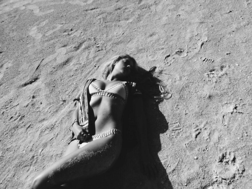 Эшли Бенсон — Фотосессия для «Find Your California» 2015 – 92