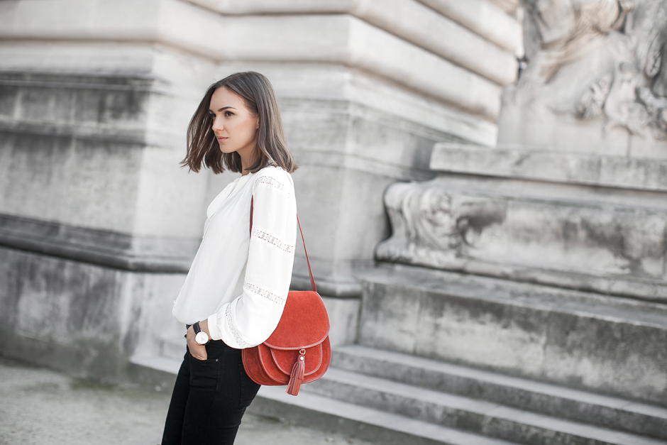 suede-saddle-bag-outfit-street-style