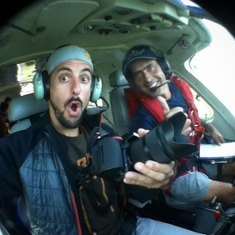 Fotografiando los saltos en paracaídas del #curso de  @normankentproductions volando en el mejor avión de #argentina para saltos a más de 4000mt. del piso el #caravan de #redbull. Gracias Andy Hediger y @aeroatelier por esta gran experiencia de trabajar p