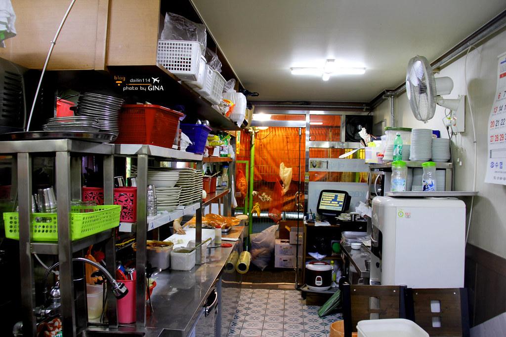 首爾美食記》鍾路生蚵仔生菜包肉巷弄/生菜包蚵仔一條街(近鍾路三街站、廣藏市場、仁寺洞) @Gina Lin