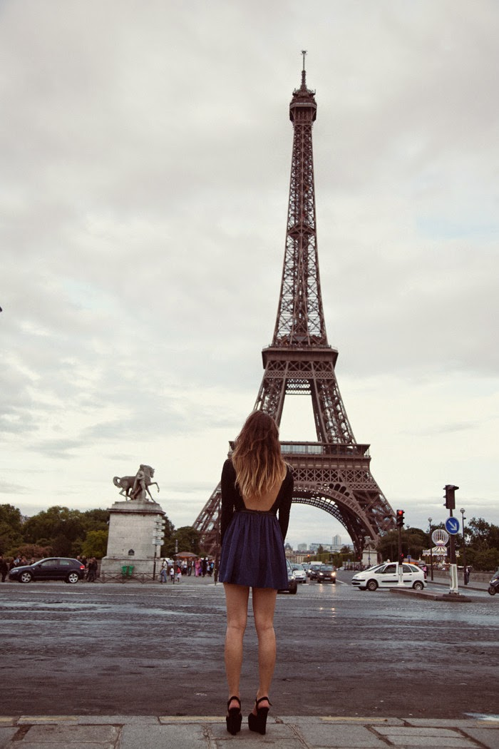accesories-eiffel-tower-france-girl-Favim.com-587582
