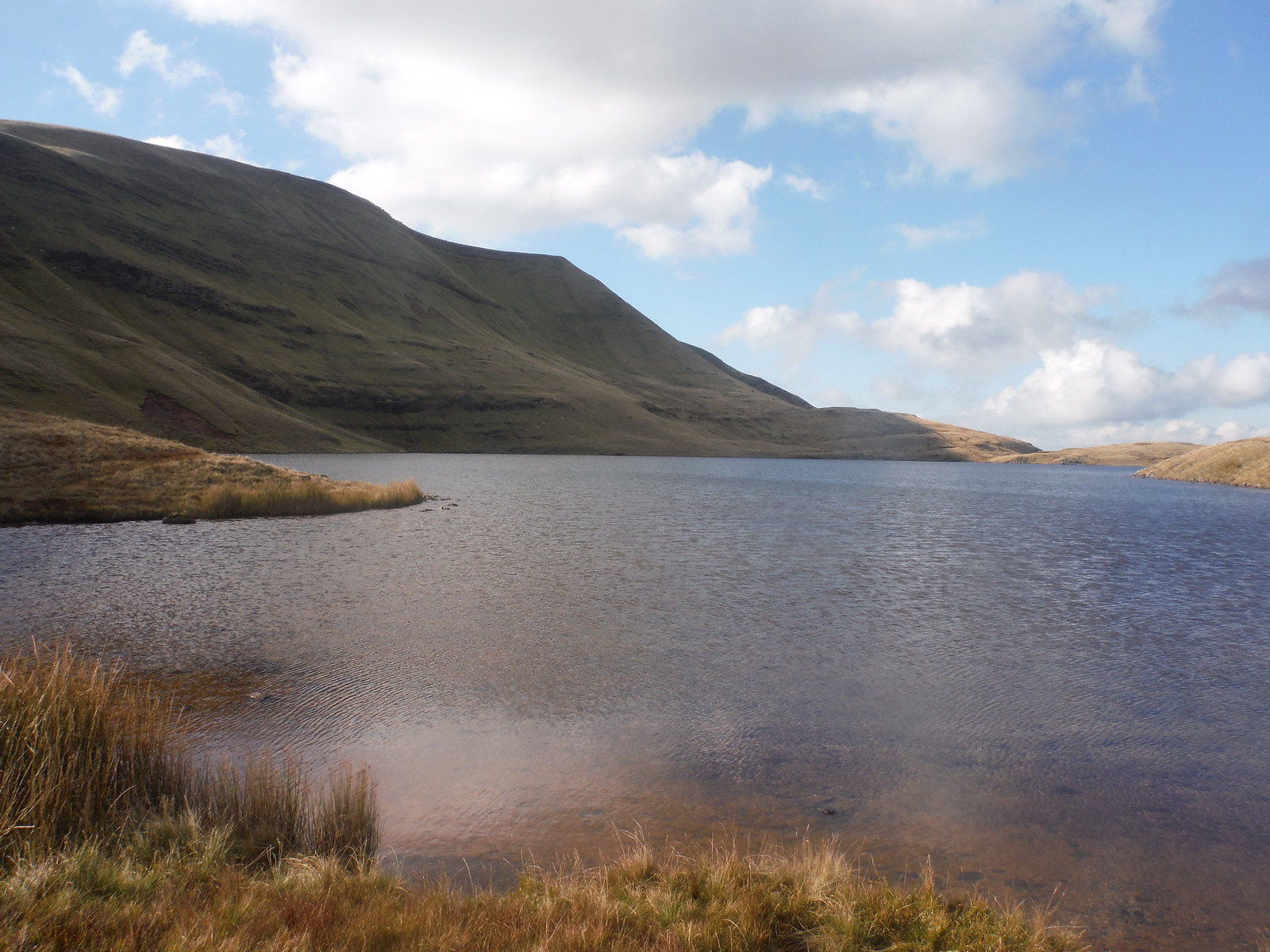 Llyn y Fan Fawr and Fan Foel SWC Walk 279 The Black Mountain - Y Mynydd Du (Glyntawe Circular)
