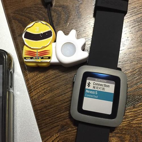 日本語化パックはあっさりとインストール。ペアリングを解除して、iPhoneとペアリングし直します。