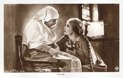 Camilla Horn and Frieda Richard in Faust (1926)