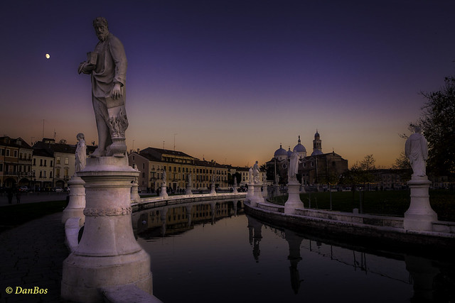 Just after Sunset on the Prato della Valle square: Padova - Padua