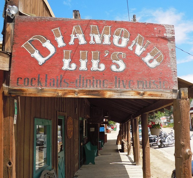 Diamond Lils, Nikon COOLPIX S6000