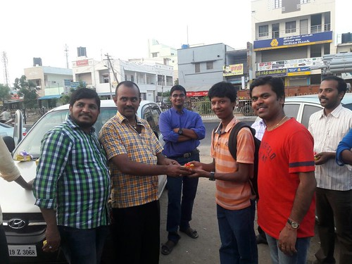 Harish receiving Gift