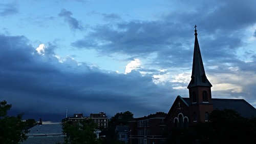 Clouds Closing In on Salem - 20150821_183949