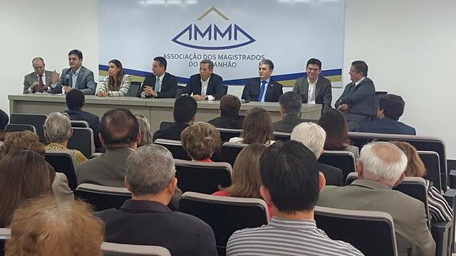 Magistrados discutem com parlamentares assuntos em pauta no Congresso Nacional