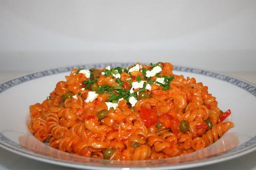 36 - Ajvar bacon noodles - Side view / Ajvar-Speck-Nudeln - Seitenansicht